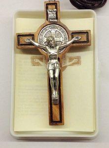 Croce medaglia di S. Benedetto - Tempo di preghiera